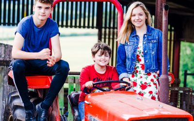 THE TASSELLS | AUTUMN FARM FAMILY SHOOT | WORCESTERSHIRE PHOTOGRAPHER